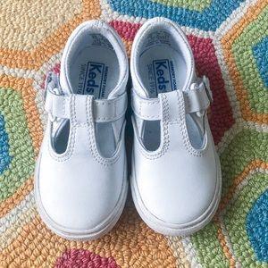 Toddler tennis shoes